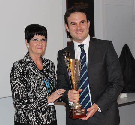 dr-hendy-award