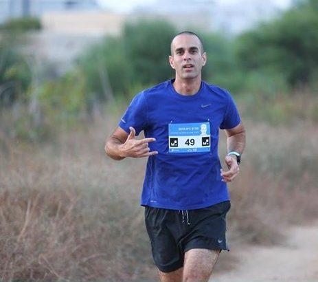 Image of Meir preparing for Vitality Big Half Marathon